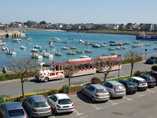 little train roscoff